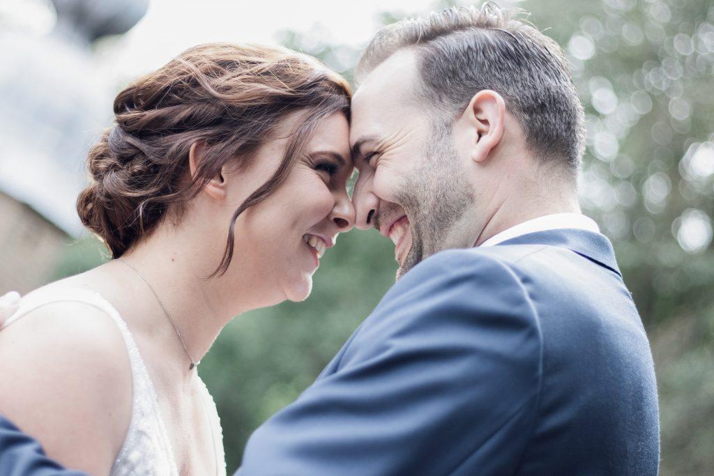 Bruidspaar ziet elkaar voor het eerst deze dag