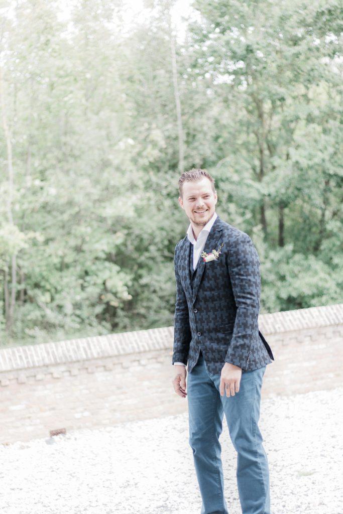 Bruidegom ziet bruid voor het eerst op deze bijzondere dag